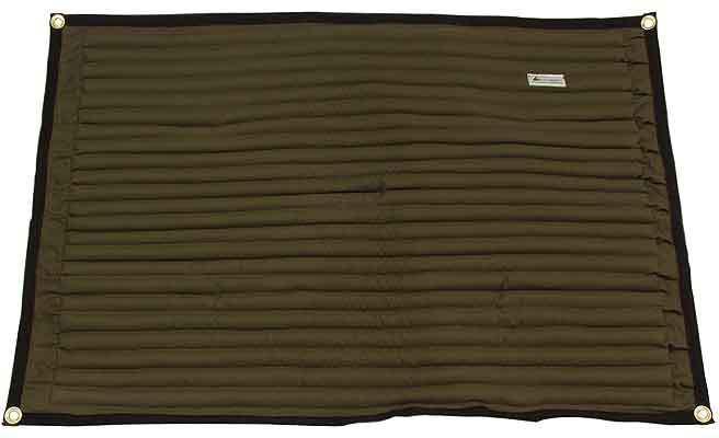 Oil binding mat