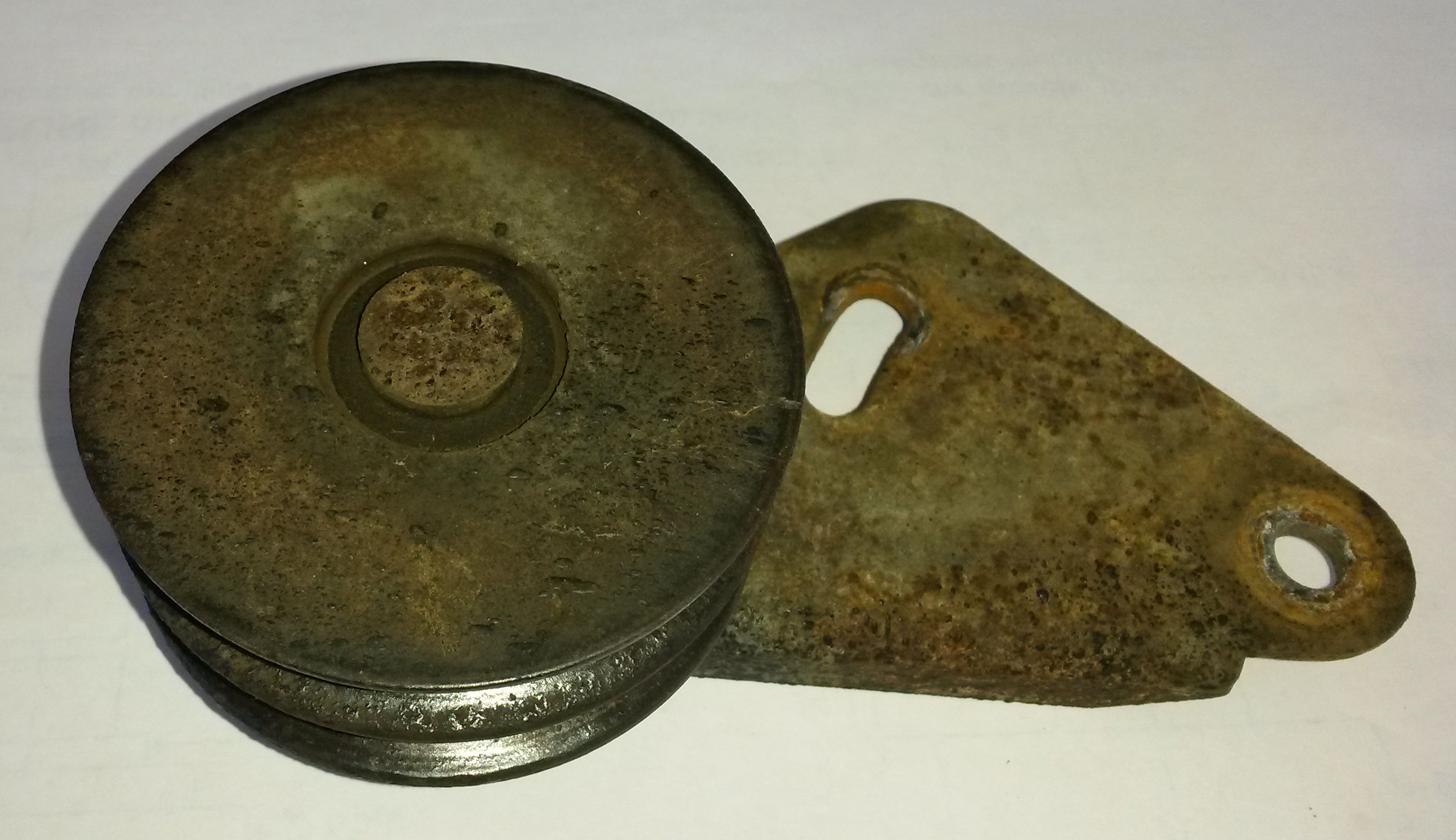 Land Rover Idler pulley