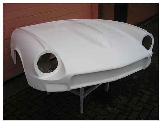 Triumph Bonnet