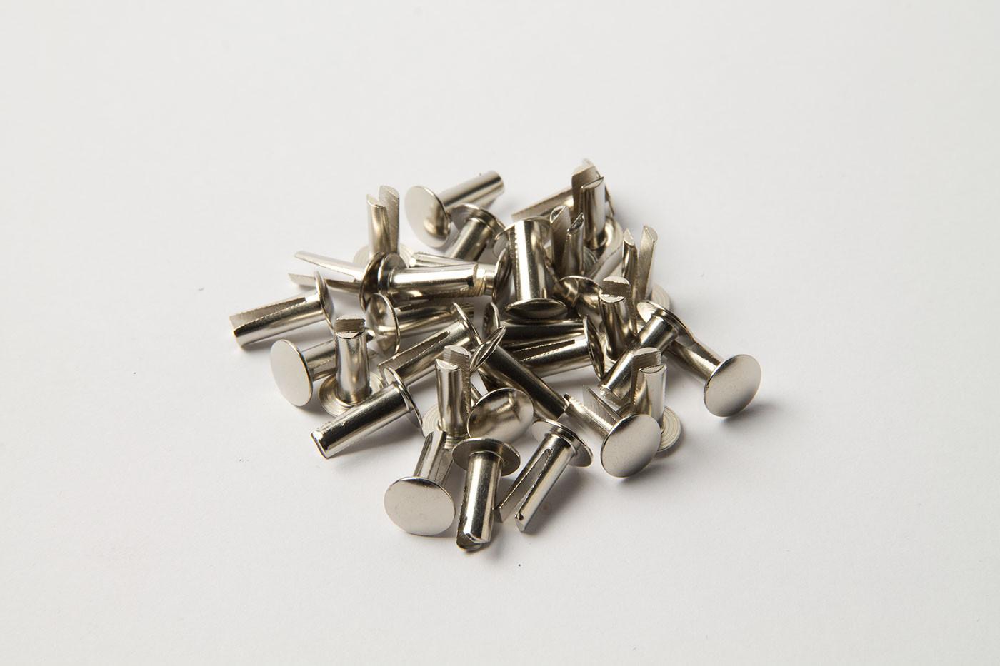 Split rivet