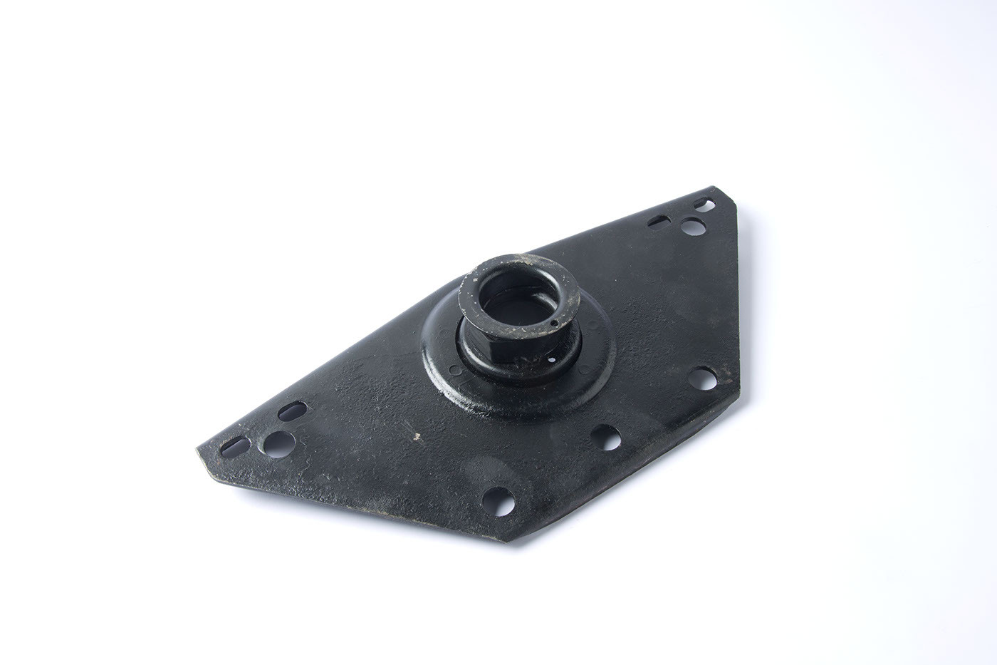 Gearbox mounting bracket
