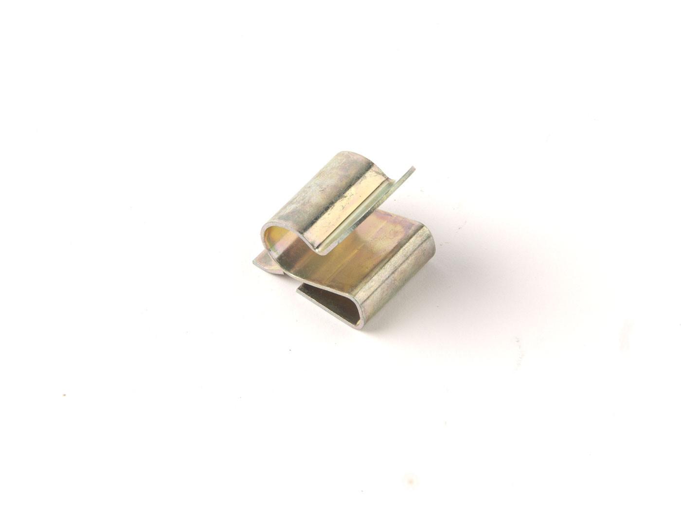 Retaining clip